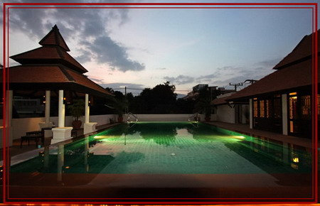boutique_hotel_facilities_night_swimming_pool_resize_resize.jpeg